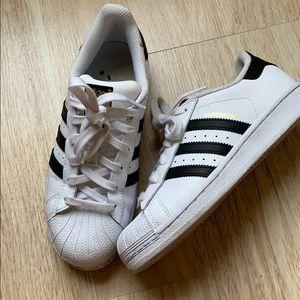 adidas Shoes - Barely used Adidas Superstars